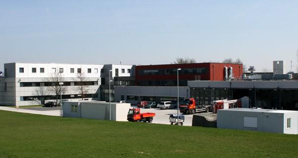 Gebäudeansicht der Feuerwache am Flughaven in Hannover