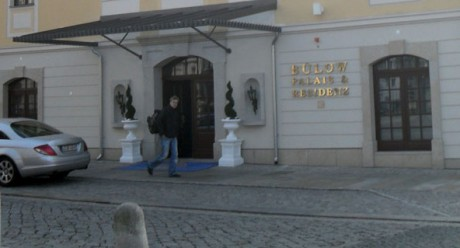 Gebäudeansicht des Hotels Bülow Palais in Dresden