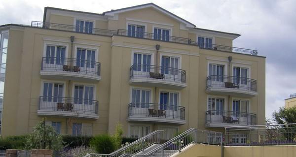 Gebäudeansicht des Hotels Zur Post in Bansin