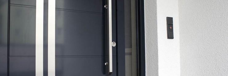 Haustür-Stoßgriff im Einfamilienhaus in Freiberg